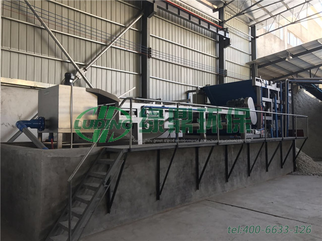 净水厂工程采用带式压滤机大大减少污泥量,充分考虑节能和环保
